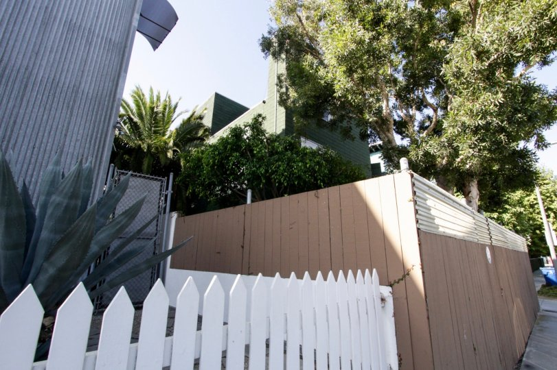 The picket fence seen outside Frank Gehry Lofts in Venice