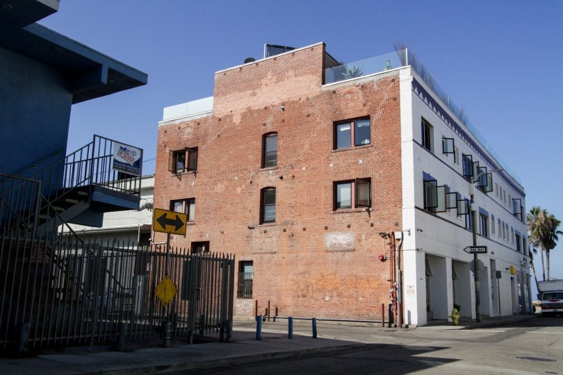 The rear of the Venice Beach Art Lofts building in Venice
