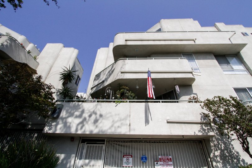 The balconies at 1310 N Detroit in West Hollywood