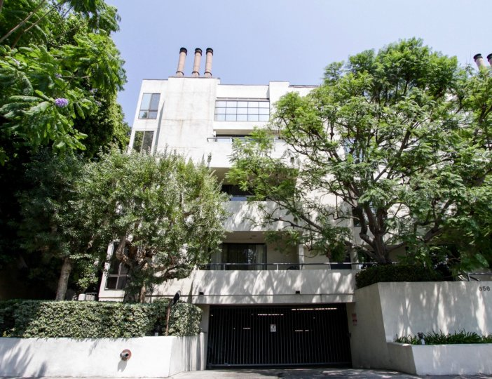 The parking for 656 West Knoll in West Hollywood