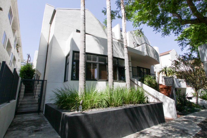 The building at 9041 Keith in West Hollywood