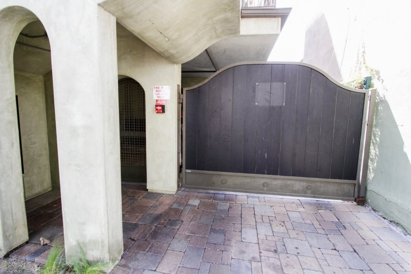 The entryway at 917 Sierra Bonita in West Hollywood