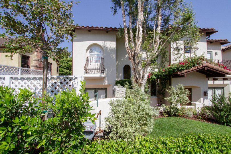 The architecture of the Casa Carmela in West Hollywood