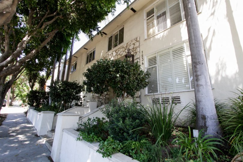 The Havenhurst Manor building in West Hollywood