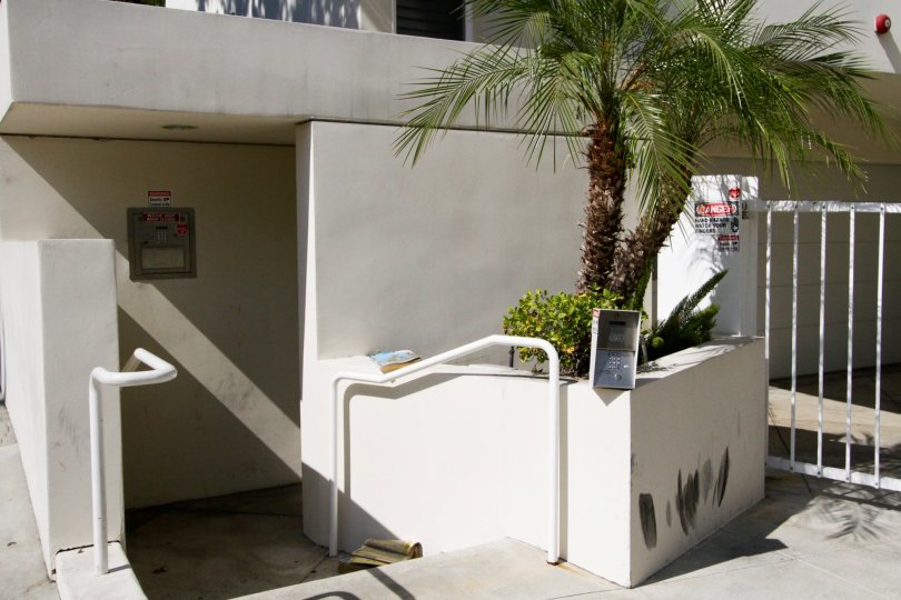 The entrance into Hilldale Terrace in West Hollywood