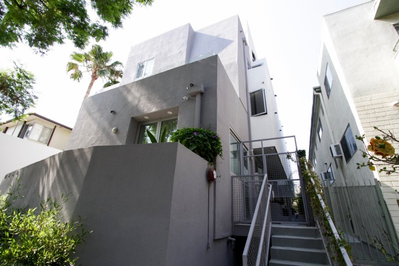 The entrance into Norton Court in West Hollywood