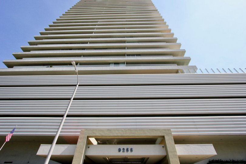 A photo of the Serra Towers apartments in West Hollywood, California