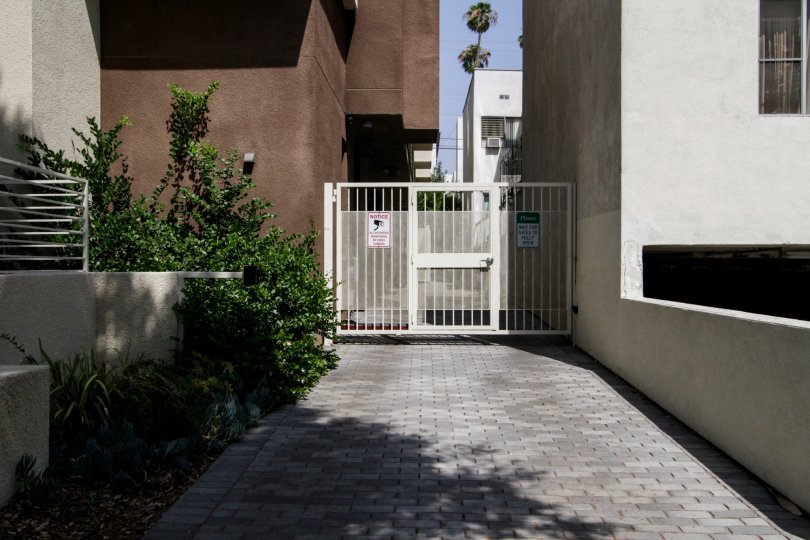 The side entrance into Stanview Court