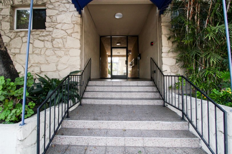 The stairs leading to the entrance of Sunset Palms