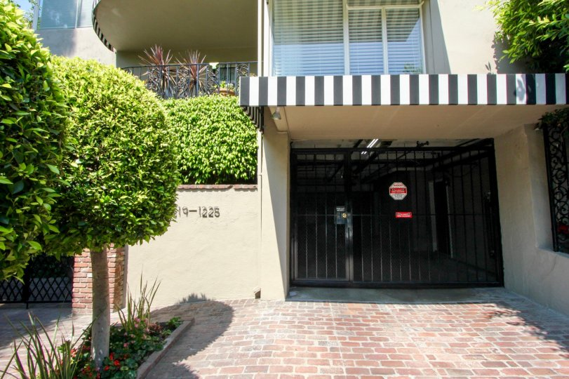 Front view of the entrance to Sunset Plaza Terrace, West Hollywood, California
