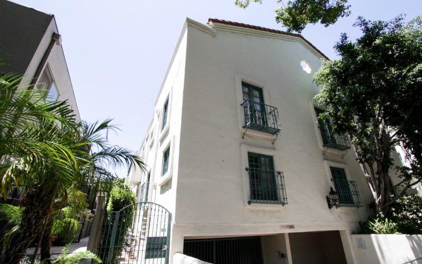 The gate for entrance into the Villa Flores