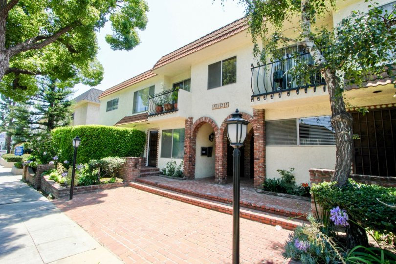 Entryway to two story apartment building on Carmelina in West Los Angeles