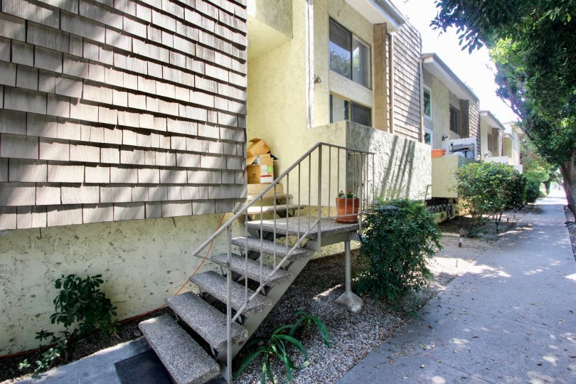 Aspen house west la california community homes sidewalk