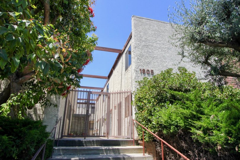 entrance to the beautifully well built Barrington Gardens apartment, West La, California