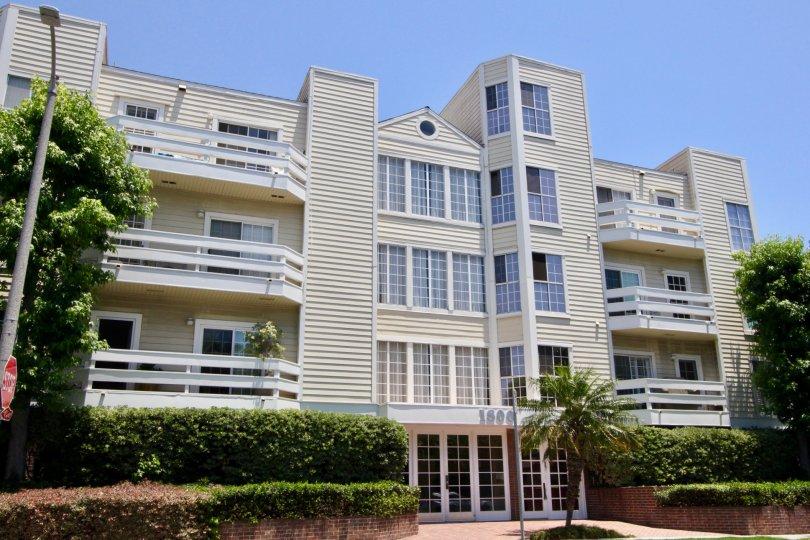 A good front view of Claridge apartment, West La, California
