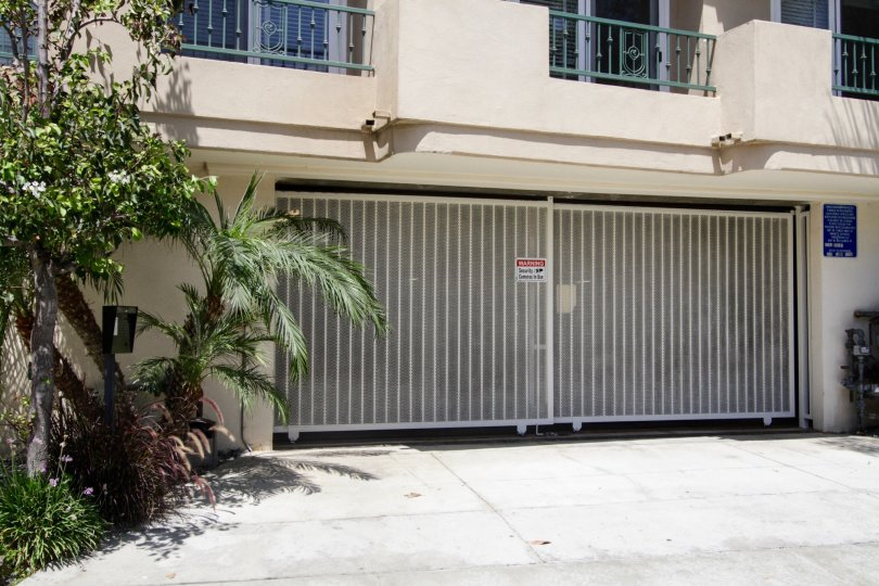 The private parking of Louisiana Heights in West LA
