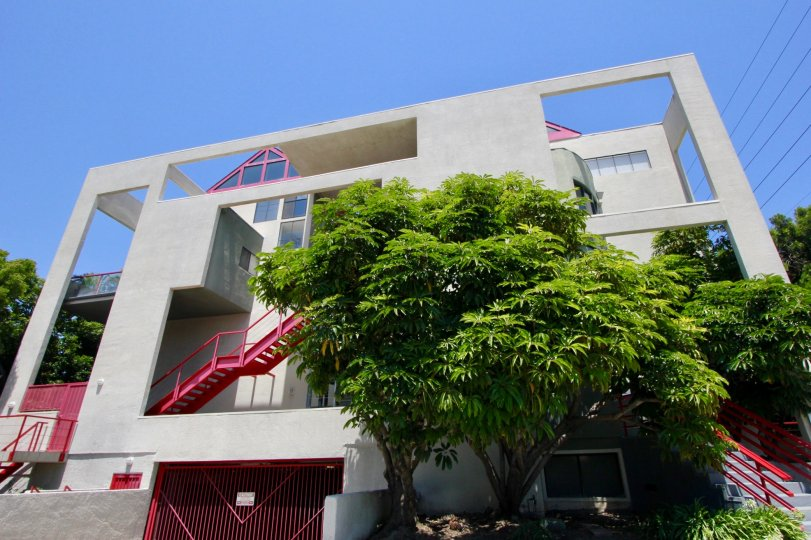 a beautiful home in west la city at california with beautiful architecture
