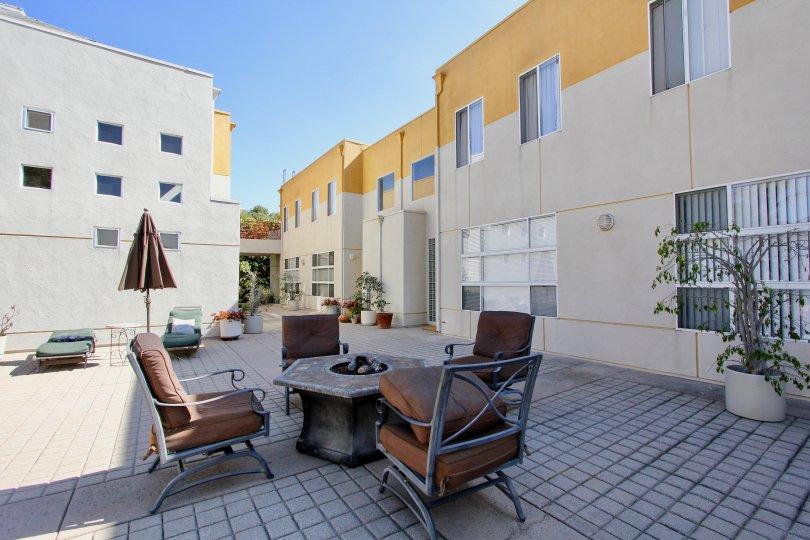 The patio at Kentwood Villas