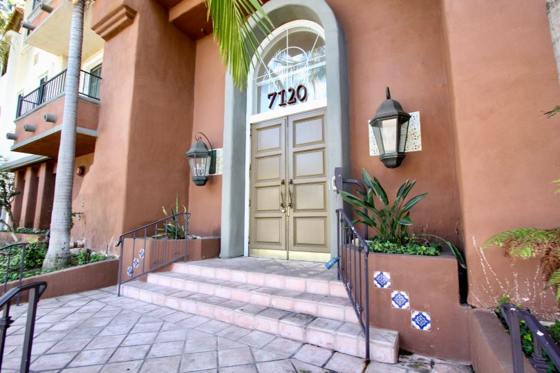 The entrance into Toscana Villas