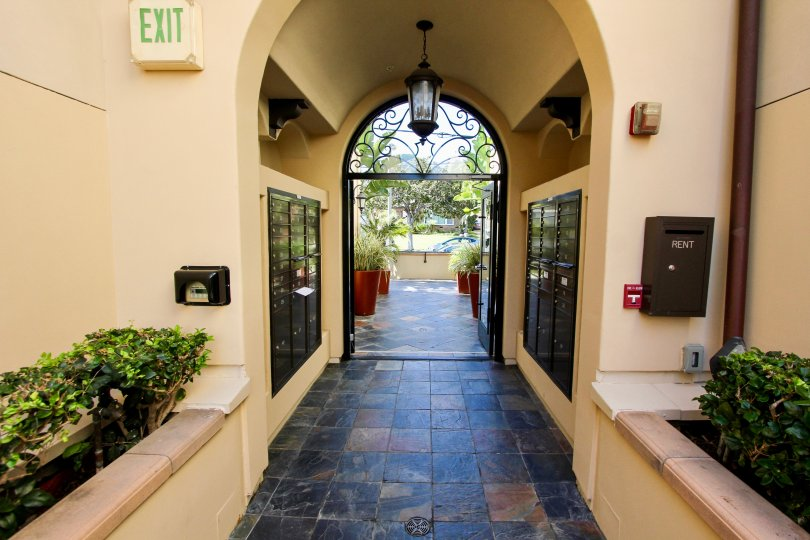 The entryway into Villas at Kentwood