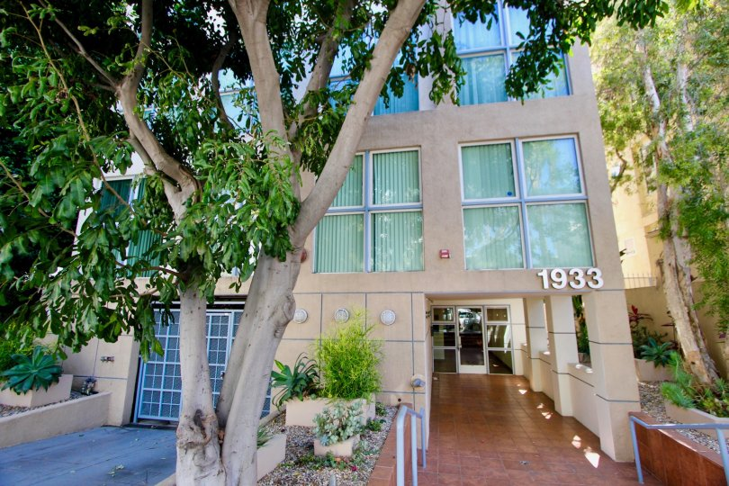 Unique and classy looking 1933 Selby Apartment, Westwood, California