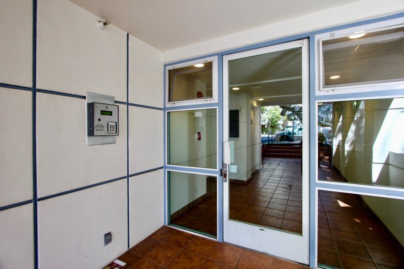 The 1933 Selby open entrance is looking so good with glass doors