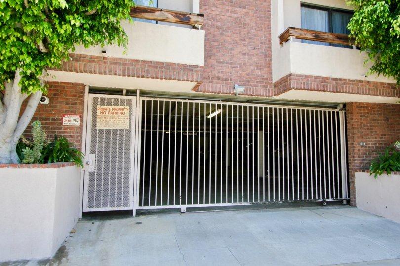 Beverly Glen Villas - Parking Main Gate - Private Property - No Parking