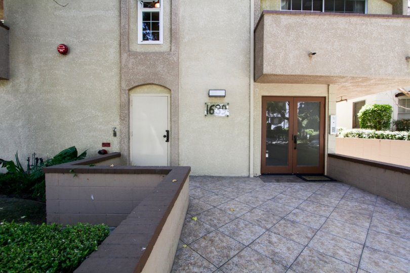 The entryway of Camden Avenue Condos in Westwood