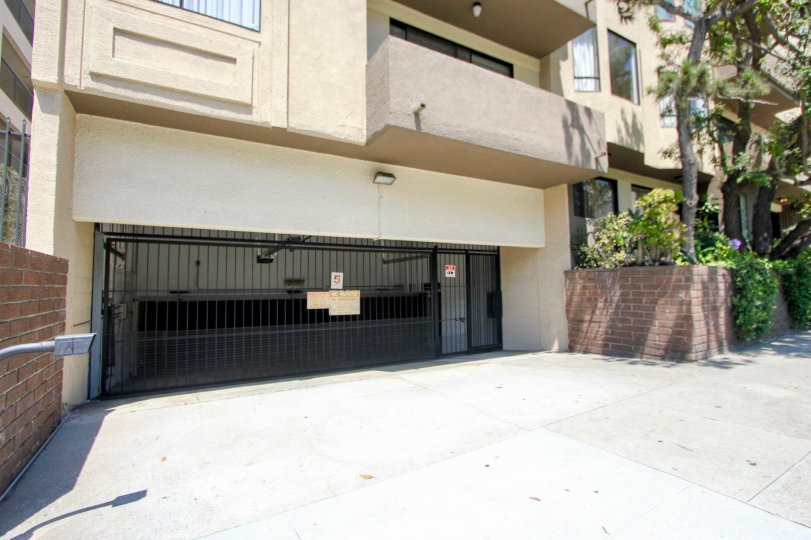 Close shot of the parking entry to Glenwood apartment building, Westwood, California