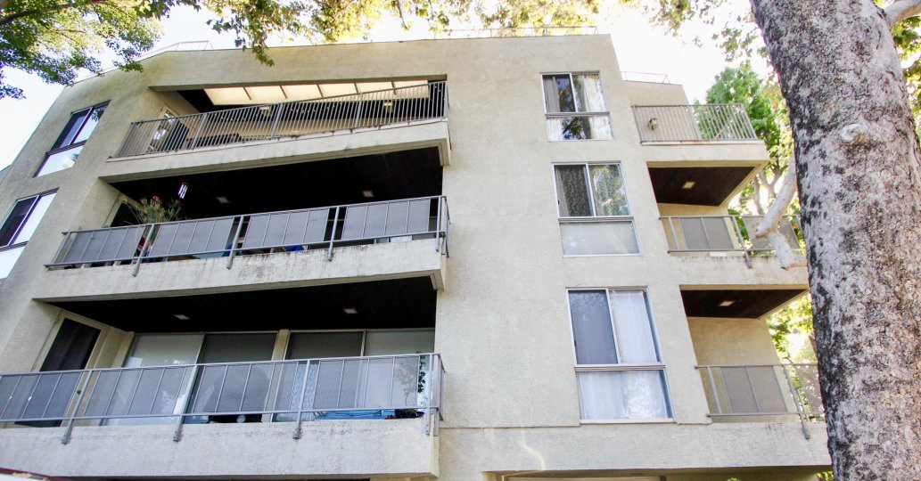 """super """"chilled out""""3 floors of Holland House, Westwood, california"""