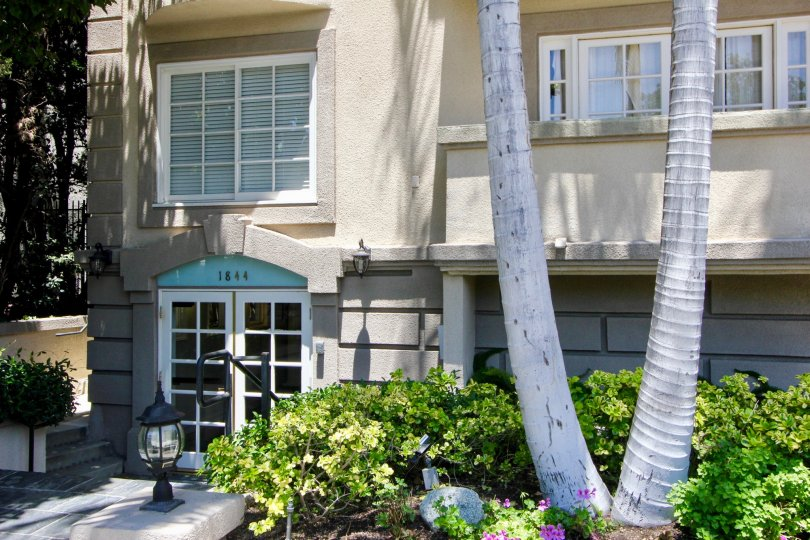 Simplistic and well planned 1844 Kelton Villas apartment, Westwood, california