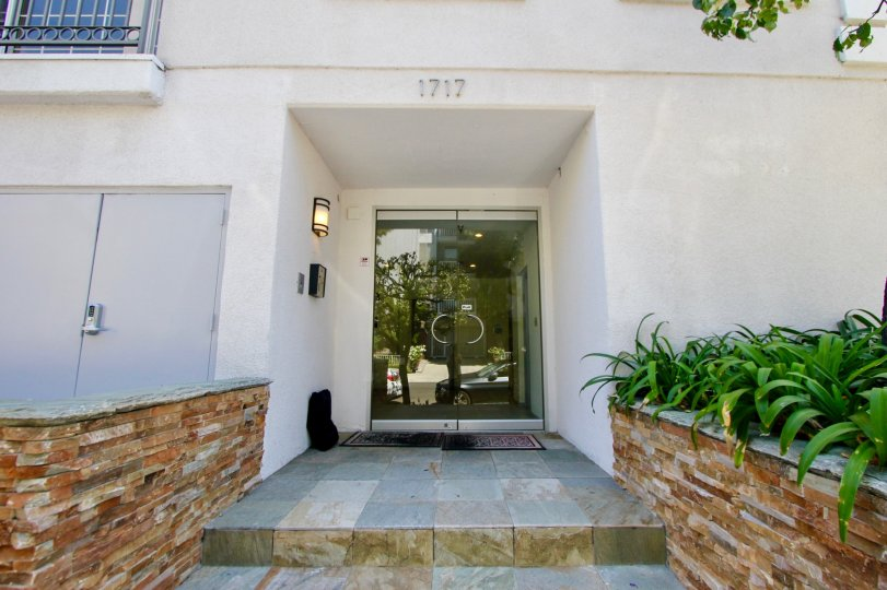 1717 Malcolm Regency Apartments in Westwood CA destination living at its best