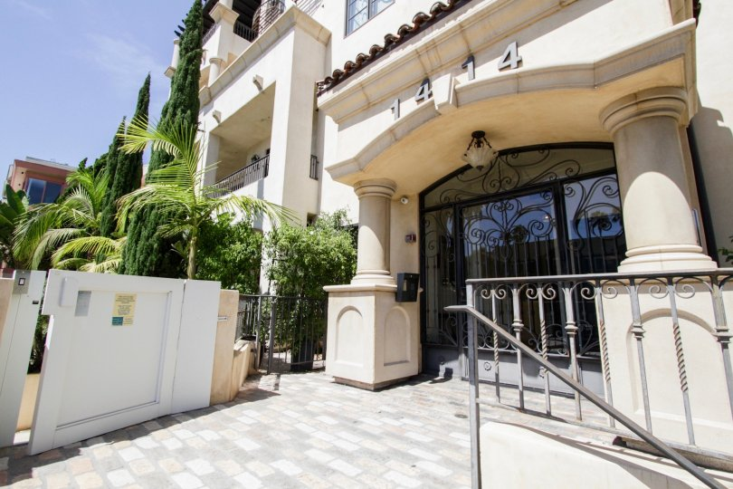 The entrance into the Villa Toscana in Westwood