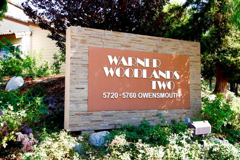 The welcoming sign into Warner Woodlands Two in CA California