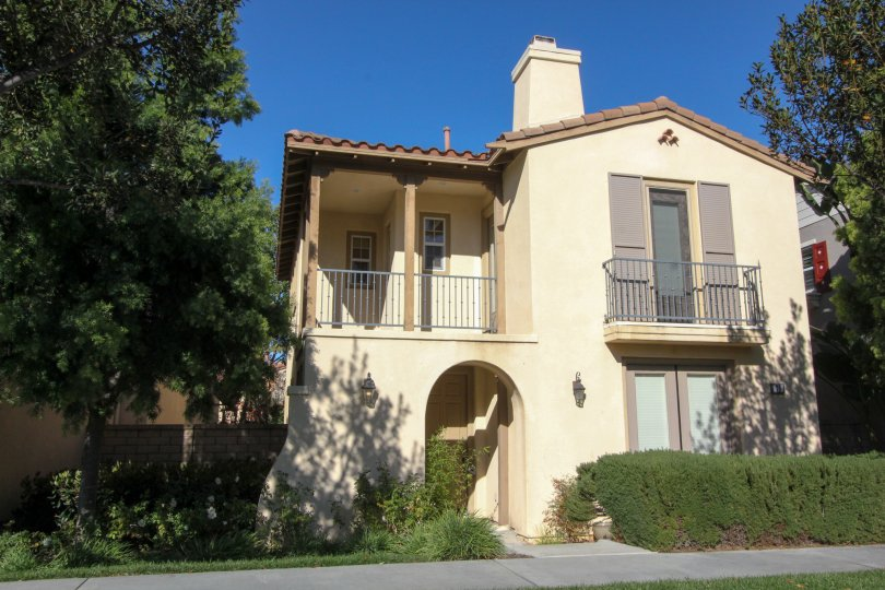 Beige duplex home with a clean appearance in Irvine, CA