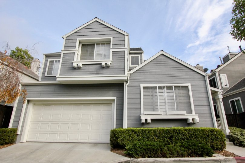 Beautiful suburban house located in the Cape Series community of Aliso Viejo, CA