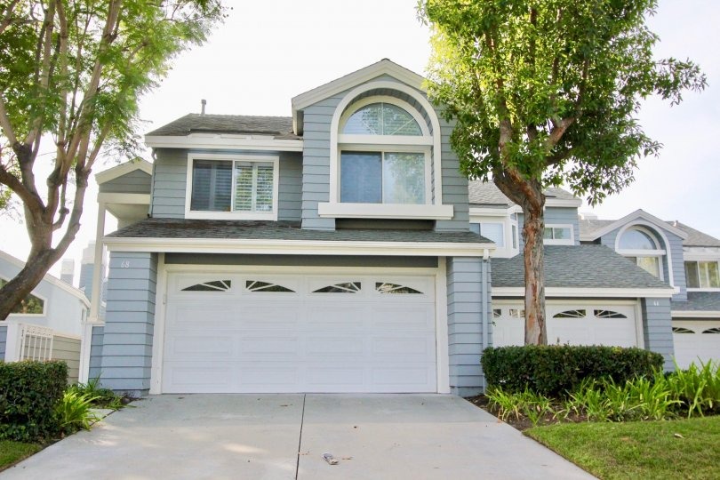Cute apartments with parking and greenery in Laureimont, Aliso Viejo, California