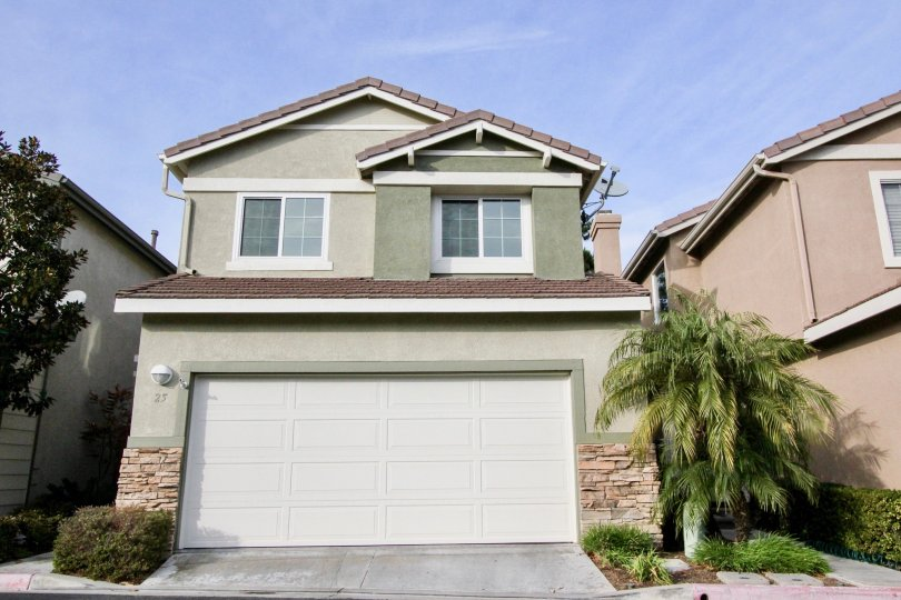 Cute buildings and green environment in The Pointe in Aliso, Viejo Carlifornia