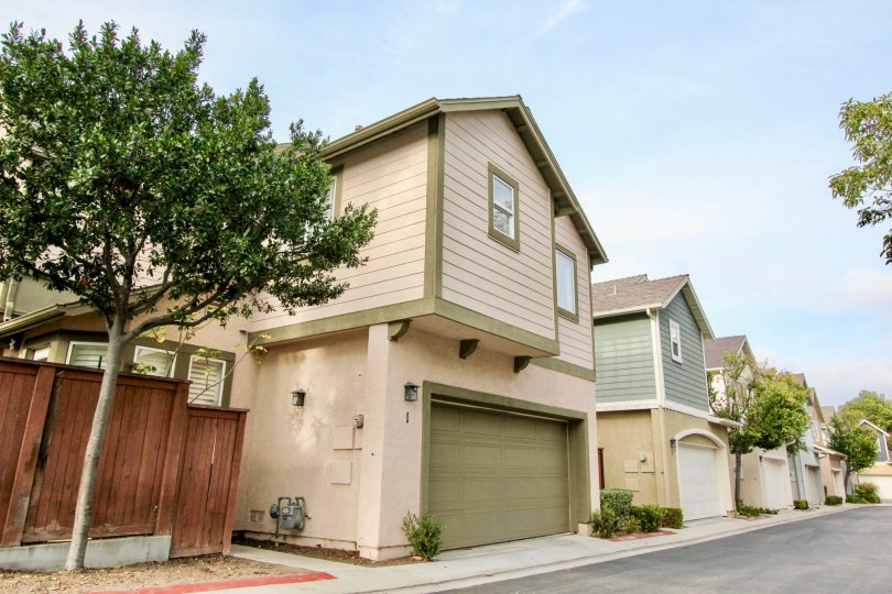 Lovely Twelve Picket Lane In Aliso Viejo California Country