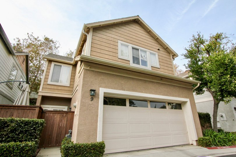 Beautiful two-story home in the excentric Twelve Picket Lane community