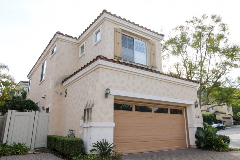 Independent Villa wtih Upstairs and parking in Vista De Oro of Aliso Viejo