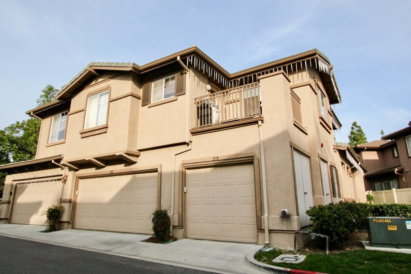 A block of charming, spacious Vistas Above Wood Canyon townhouses in Aliso Viejo, California