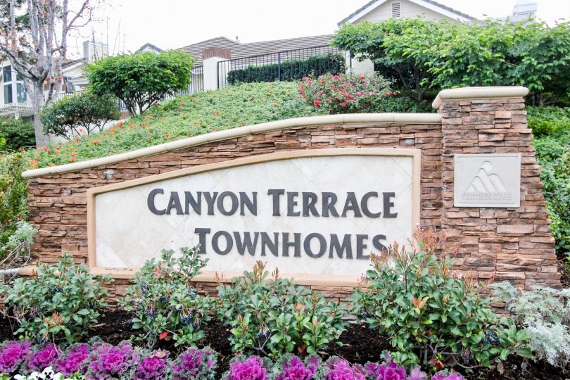 Awesome flower garden in front of villas in Canyon Terrace Townhomes of Anaheim Hills