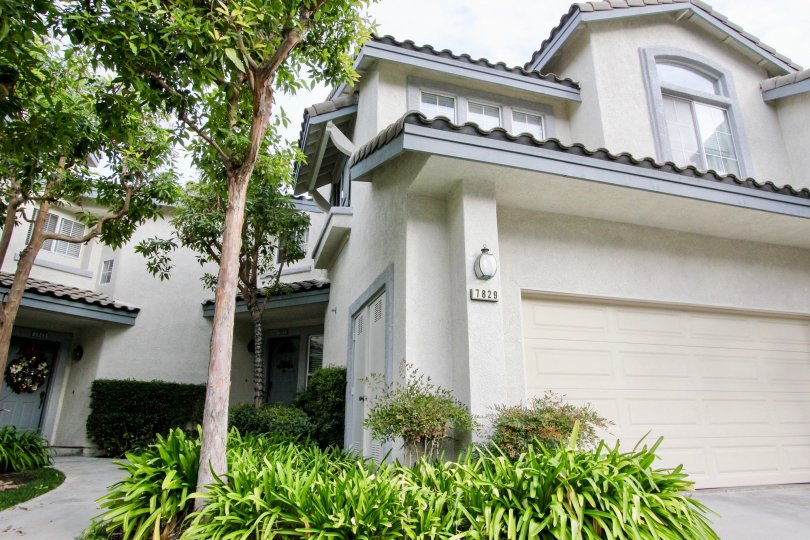 Viewpointe North Building with beauty location at Anaheim Hills City