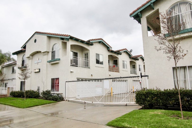 THE APARTMENT WHICH IS LOCATED IN ANAHEIM CITY, WHICH HAVE BEAUTIFUL LAWN, PLANTS ON THE FRONT