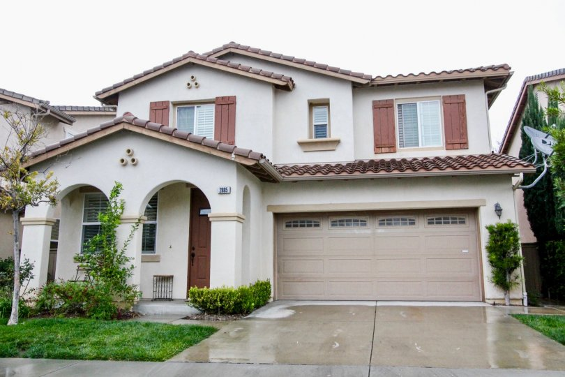 Beautiful Independent villa with spacious parking and lawn in Rio Vista Walk of Anaheim