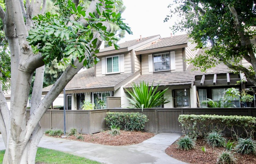 Beautiful Villa with greenary and trees around in Smoketree of Anaheim