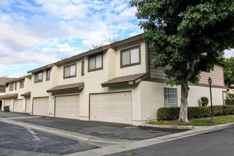 Nice villas near road point with lawn and trees in Smoketree of Anaheim