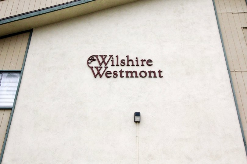 THE HOUSE IN THE WILSHIRE WESTMONT WITH THE WILSHIRE WESTMONT NAME WALL