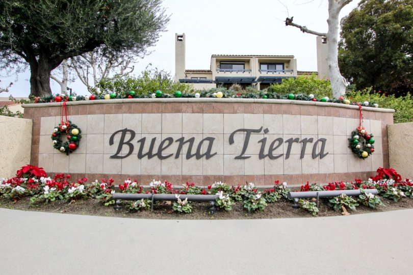 Excellent approach of lawn and park with trees in Buena Tierra of Buena Park